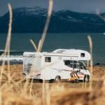 Rutas por España: Las playas de Galicia se llenan de autocaravanas