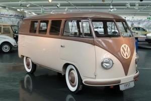 volkswagen-menghentikan-produksi-mobil-moedel-van-kombi-_130816093910-335