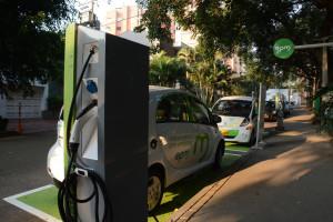 punto recarga vehiculos eléctricos