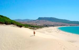 destino de playa viajar en camper